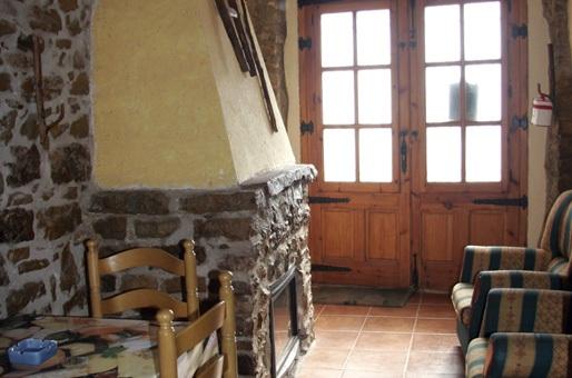 Chimenea casa rural castellon laperdiu